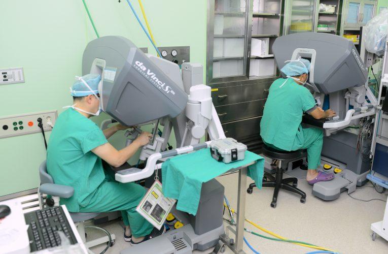 국내 최초 로봇수술 이용 신장이식 성공