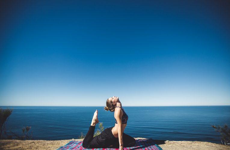 활동량 적어지며 늘어난 '확찐자', 허리 건강 지키려면