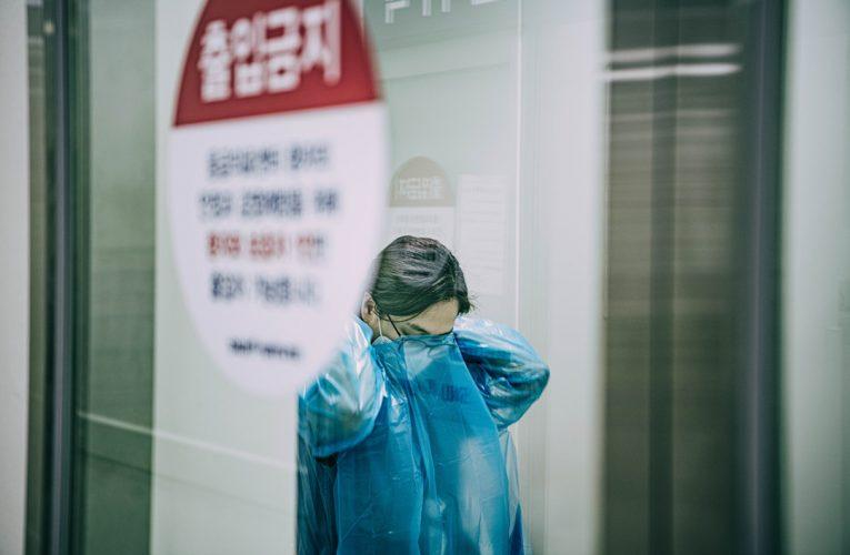 코로나 시대의 영웅, 간호사 응원 캘린더 발매