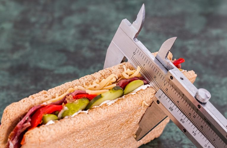다이어트 고집하다 장 잘라내는 수술받는 이유는?